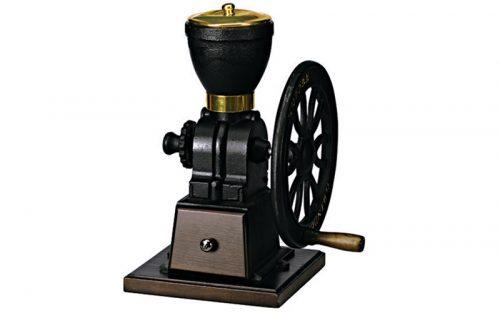 So sánh máy xay cà phê cổ điển với máy xay cà phê điện tử hiện đại